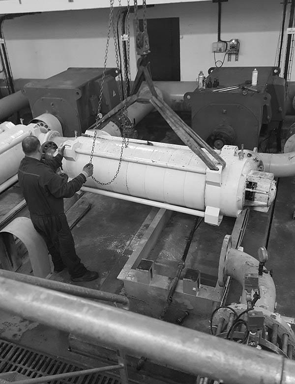 Field service pump removal